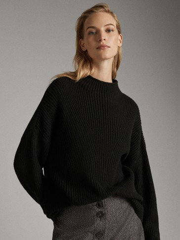 FUNNEL COLLAR SWEATER WITH DECREASE STITCH DETAIL