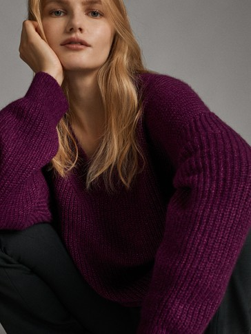 V-NECK PURL-KNIT SWEATER