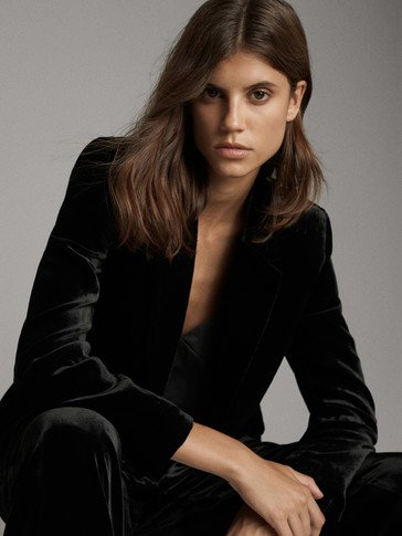BLACK VELVET SINGLE-BUTTON BLAZER
