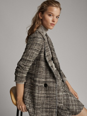 BUTTONED TEXTURED BLAZER WITH FRAYED TRIMS