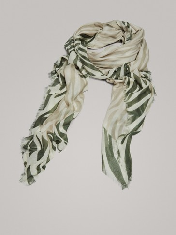 ZEBRA PRINT WOOL AND MODAL SCARF