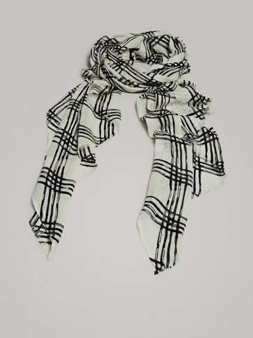 DIAMOND PRINT 100% WOOL SCARF