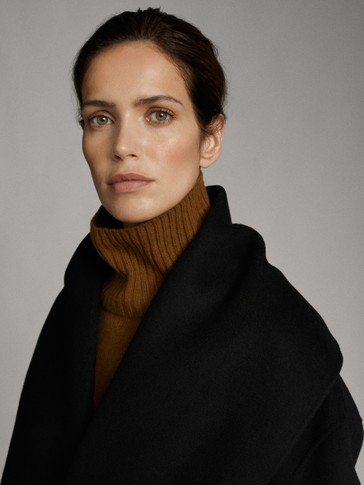 HANDMADE BLACK WOOL AND CASHMERE COAT
