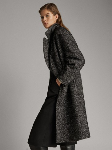 FLECKED COAT WITH QUILTED DETAIL
