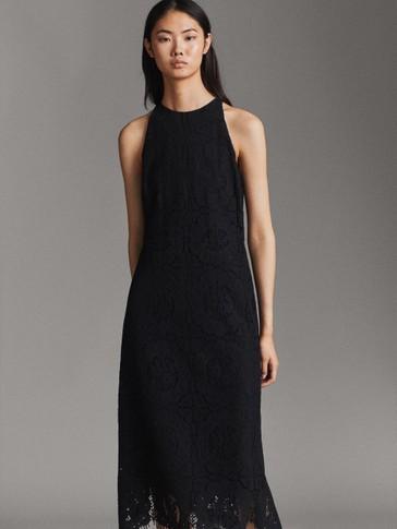 فستان أسود بتخريم زخرفي