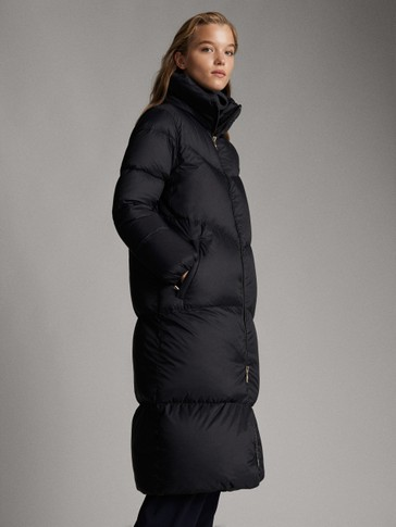 LONG BLACK DOWN COAT WITH TOPSTITCHING DETAIL