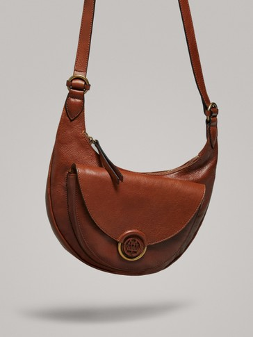 ZIPPED LEATHER CROSSBODY BAG
