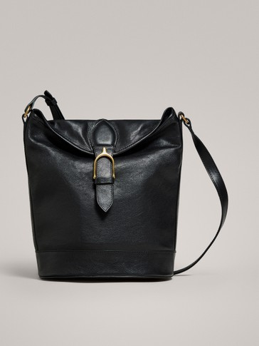LEATHER SHOULDER BAG WITH BUCKLE DETAIL