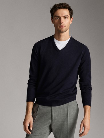 100% CASHMERE V-NECK SWEATER