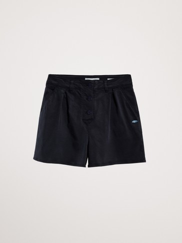 LØSTSIDDENDE SHORTS