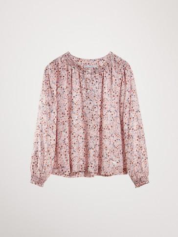قميص بطبعة زهور