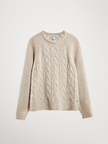 SWEATER WITH METALLIC DETAIL