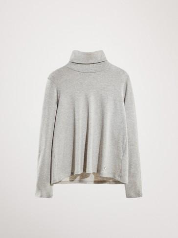 리브드 터틀 넥 티셔츠