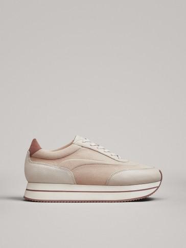 حذاء رياضي مسطح