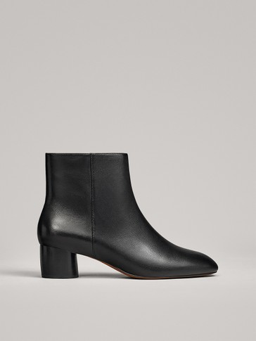 BLACK ANKLE BOOTS WITH ROUND HEEL