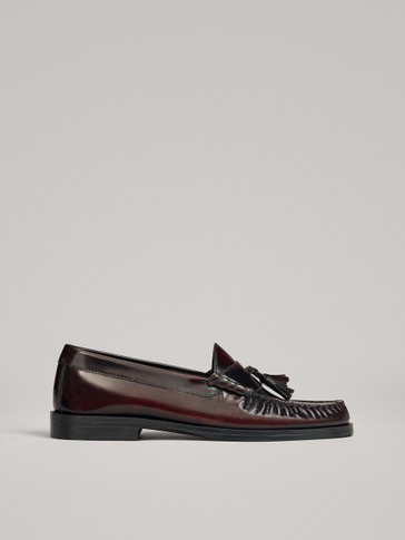 BURGUNDY LOAFERS WITH TASSELS