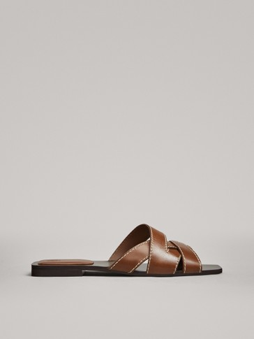 TAN FLAT SANDALS WITH TOPSTITCHING