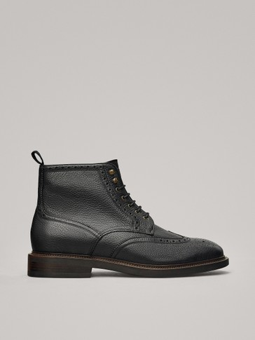 BLACK LEATHER ANKLE BOOTS WITH BROGUING