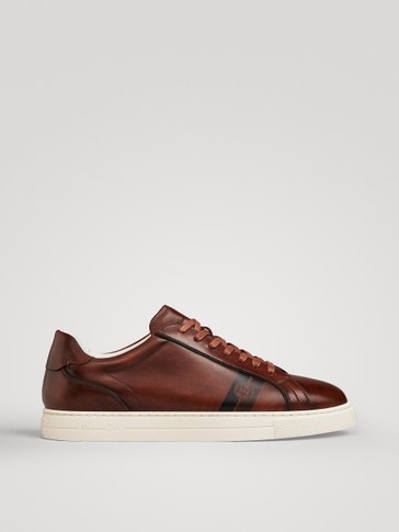 LIGHTWEIGHT BROWN NAPPA PLIMSOLLS