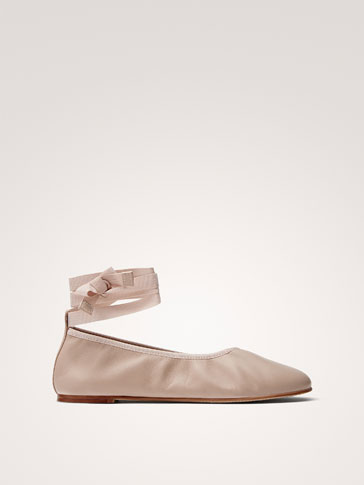 SOFT BALLERINAS WITH BOW