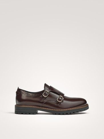 BUCKLED LEATHER SHOES