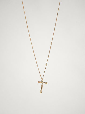 ONLINE EXCLUSIVE LETTER T NECKLACE