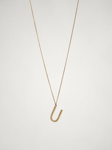 ONLINE EXCLUSIVE LETTER U NECKLACE