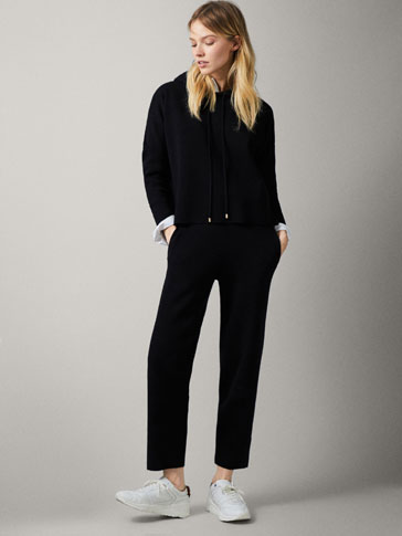 BLACK KNIT JOGGING TROUSERS