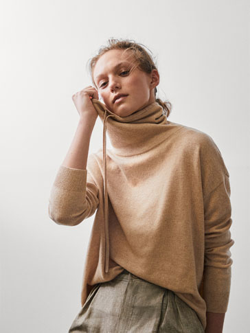 PLAIN WOOL CAPE SWEATER