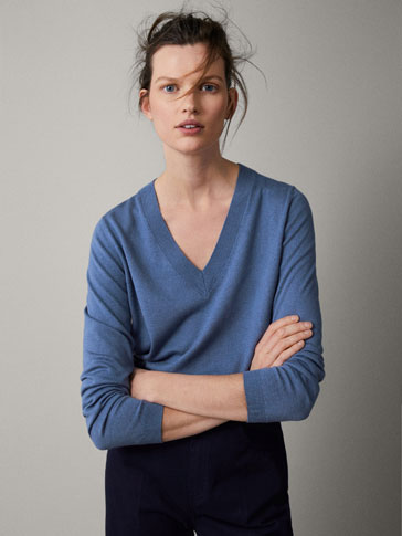 PLAIN SILK WOOL SWEATER WITH ASYMMETRIC HEM