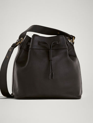 BLACK NAPPA BUCKET BAG