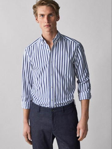 CAMISA TWILL ÀS RISCAS REGULAR FIT