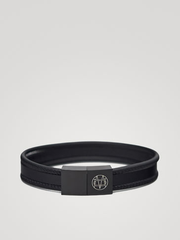 Triple Plain Black Leather Bracelet by Massimo Dutti