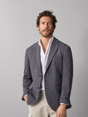 SLIM FIT STRUCTURED BLAZER