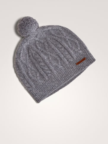 100% CASHMERE CABLE-KNIT HAT