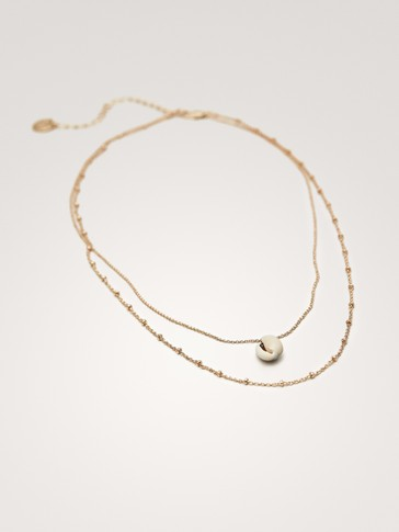 DOUBLE-STRAND NECKLACE WITH SEASHELL PENDANT