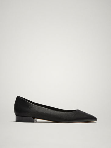 BLACK SOFT LEATHER BALLERINAS