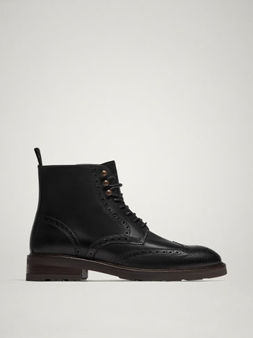 BLACK LEATHER BROGUE BOOTS