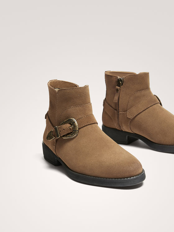 Massimo Dutti - BUCKLED SPLIT SUEDE ANKLE BOOTS - 3