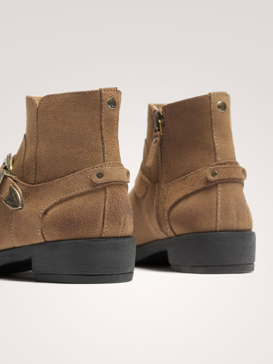 Massimo Dutti - BUCKLED SPLIT SUEDE ANKLE BOOTS - 6