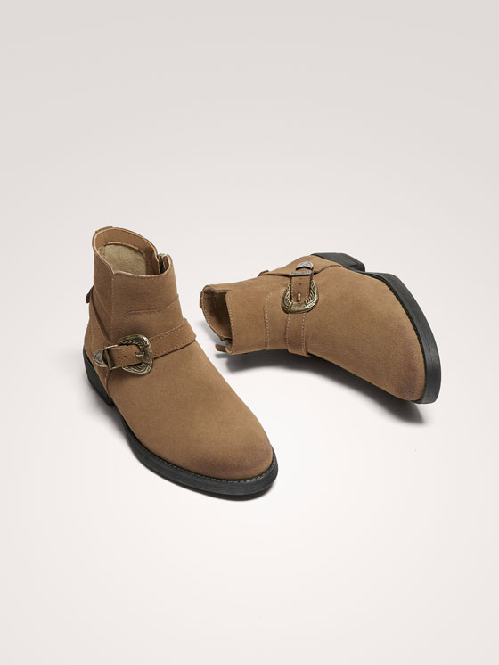 Massimo Dutti - BUCKLED SPLIT SUEDE ANKLE BOOTS - 7