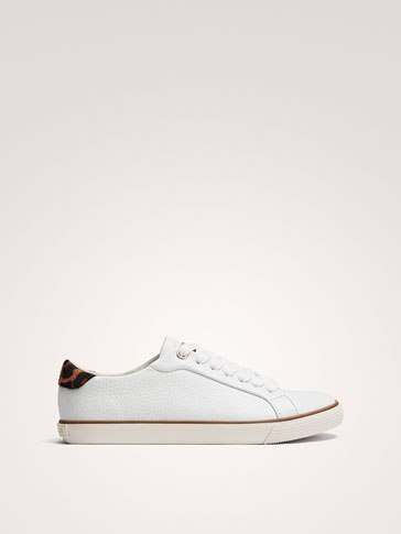 WHITE LEATHER TRAINERS WITH PRINTED HEEL TAB