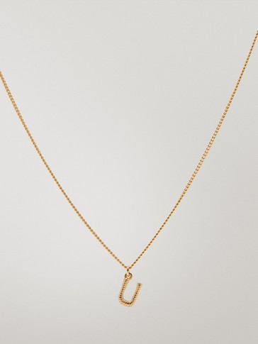 Gold-plated letter U necklace