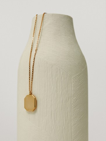 Gold-plated plain geometric necklace