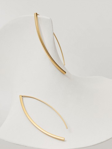 Gold-plated long thin earrings