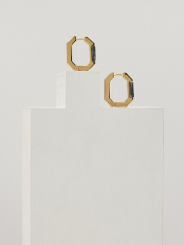 Gold plated geometric earrings with stone
