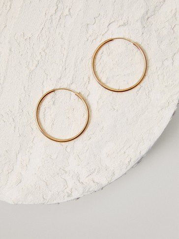 Gold-plated medium hoop earrings