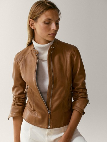 Double snap-buttoned leather jacket