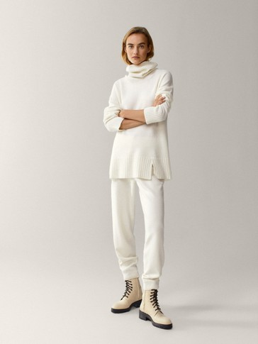 Knit trousers with cuffs