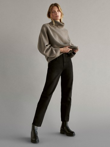 Black barrel-fit trousers
